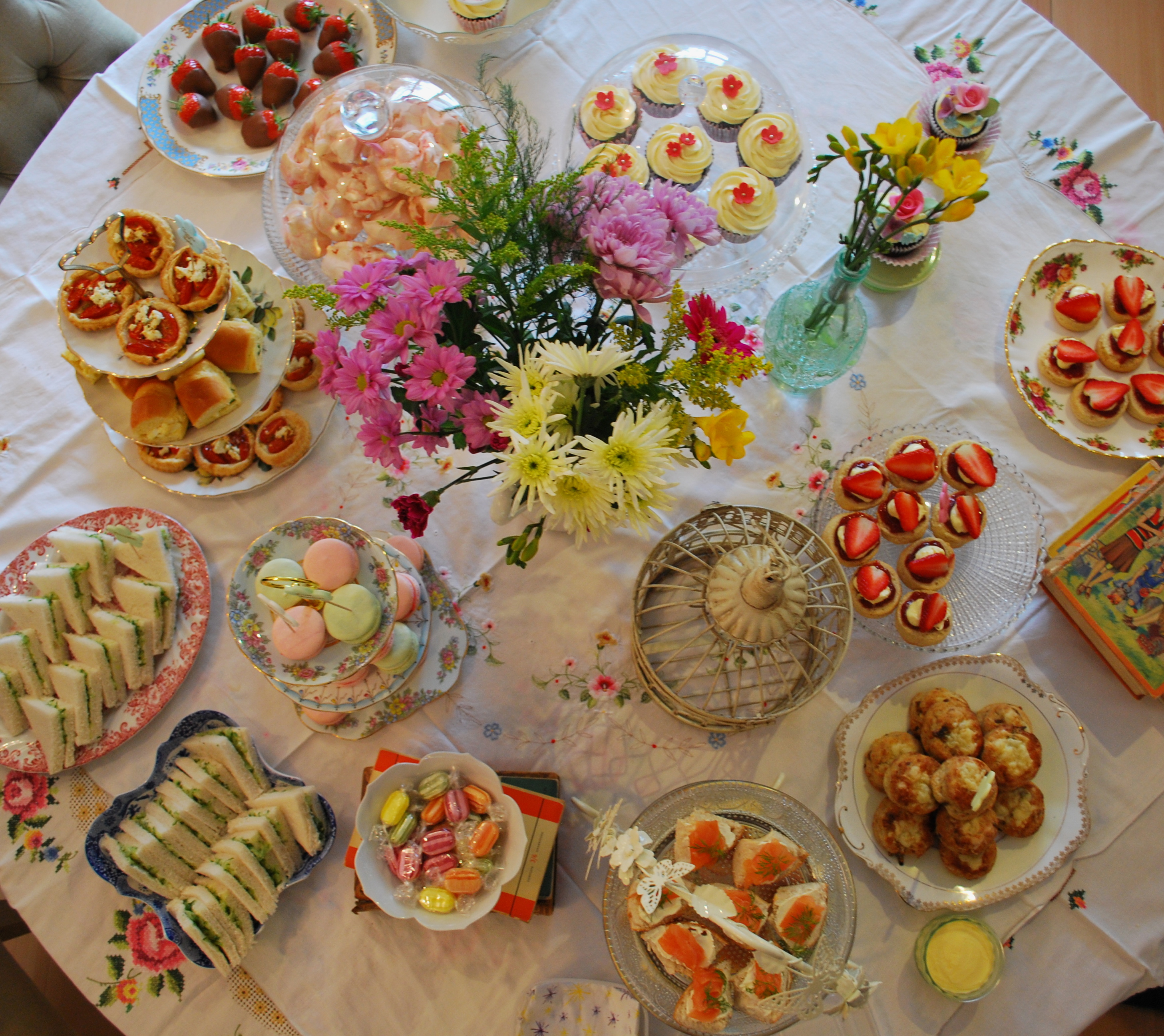 A Vintage Tea Party by Rose Apple Bakery | ALMOST ALWAYS HUNGRY